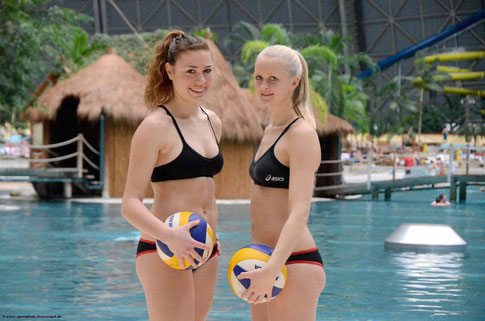 Anika Krebs & Jenny Heinemann im TROPICAL ISLANDS bei Berlin, im Januar 2014