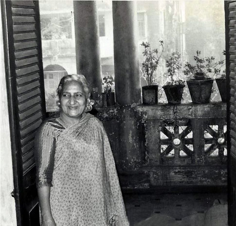 Khorsed in her flat in Bombay in 1976- Courtesy of John Connor.