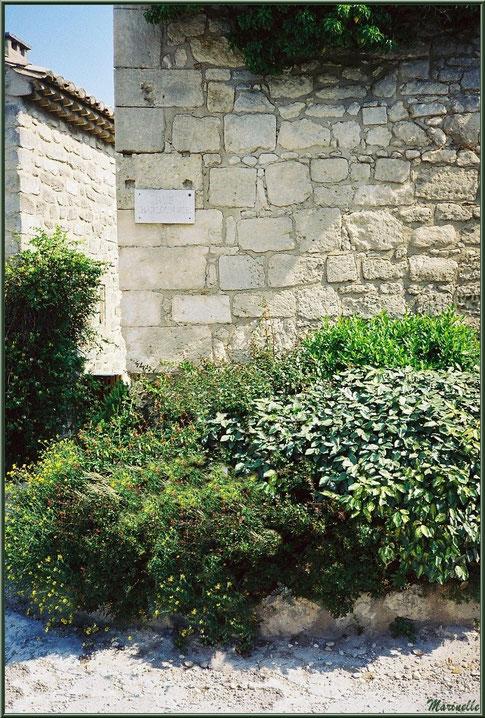 Rue Charloun Rieu, Château des Baux-de-Provence, Alpilles (13)