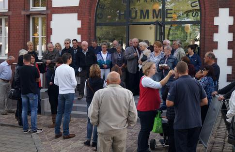 Regelmäßige Besichtigungen gehören mittlerweile zum festen Bestandteil des Generationenhauses (Foto: Generationenverein Hümme)