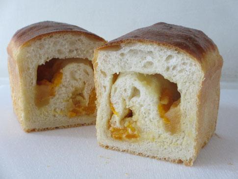 みかんパン カット断面