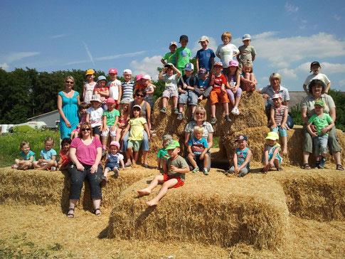 Bei strahlenden Sonnenschein besuchten die Kinder vom Kindergarten St. Elisabeth aus Postbauer-Heng die Viecherei.