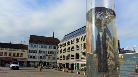 Wasserstrudelsäule auf dem Unteren Markt in Würzburg