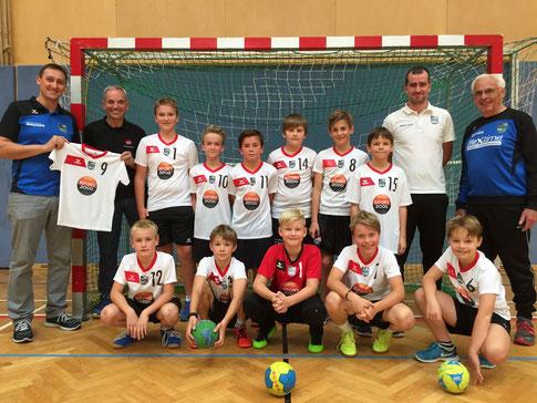 Die U11-Mannschaft mit den neuen Dressen von Sport 2000 - vielen Dank!