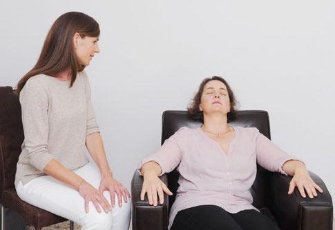 Mit Hypnose in eine tiefe und entspannte Trance gelangen