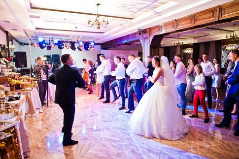 Ein Tanzkurs - gute Unterhaltung auf der Hochzeitsfeier