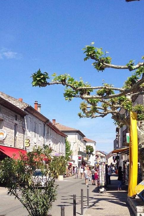Ruoms et ses ruelles un joli village Ardéchois à découvrir