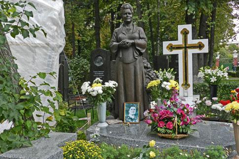 Der Nowodewitschi-Friedhof beeindruckt mit aufwendigen Grabdenkmälern