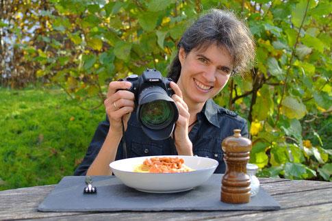 Sabine Simon beim Fotografieren