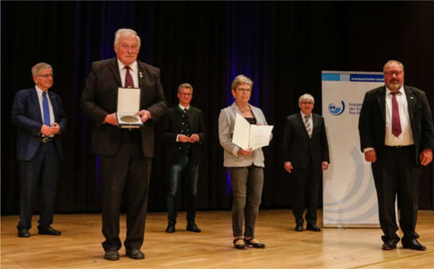 Zelterplakette - GV 1895 Birnfeld - Vorsitzender Udo Budau (2.von links) -Erlangen -26.9.2020