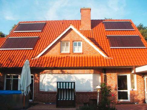 Einfamilienhaus in Meppen, Deutschland, Dachmontage, 160 heat pipe Röhren, 26,1 m² Kollektorfläche, Heizungsunterstützung und Brauchwassererwärmung