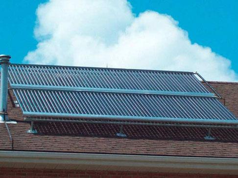 Einfamilienhaus in Woodstock, Kanada, 120 Direct Flow Röhren, 19,5 m² Kollektorfläche, ca 12 KWp, Heizungsunterstützungund Brauchwassererwärmung