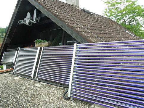 Einfamilienhaus in Deggenhausertal, Deutschland, Aufständerung, 70 Direct Flow Röhren, Brauchwassererwärmung und Heizungsunterstützung