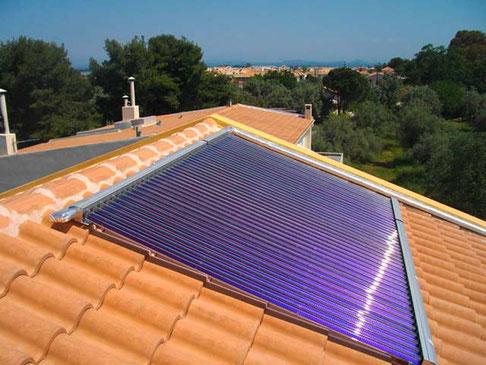 Einfamilienhaus in Athen, Griechenland, 6,52 m² Kollektorfläche, Warmwasserbereitung