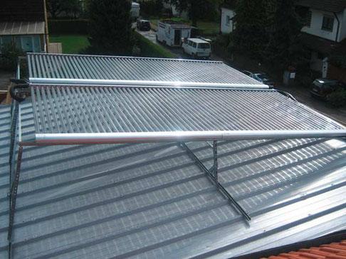 Einfamilienhaus in Bayern, Deutschland, Norddach Aufständerung, 120 Direct Flow Power Röhren, Brauchwassererwärmung und Heizungsunterstützung
