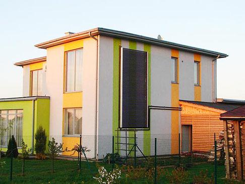Einfamilienhaus in Kekava, Lettland, Fassadenmontage, 60 direct flow Powerröhren, Brauchwassererwärmung und Heizungsunterstützung