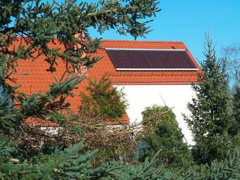 Ein- und Mehrfamilienhäuser in Großhartmannsdorf, Deutschland, 80 Heat Pipe Röhren, 13 m² Kollektorfläche, Brauchwassererwärmung und Heizungsunterstützung