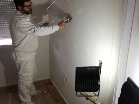 Uno de los momentos más influyentes en el resultado final del arreglo de una pared es el que concierne a la preparación