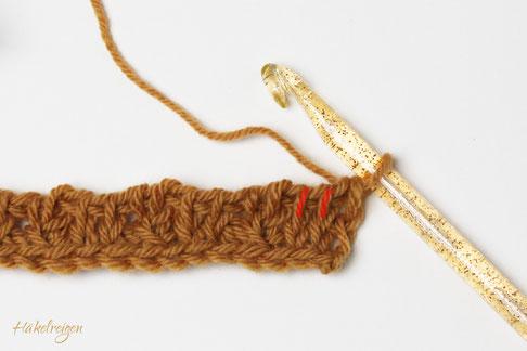 second row Entwined Triangle pattern Tunisian crochet Haekelreigen