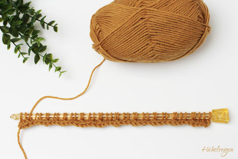 first row Entwined Triangle stitch Tunisian crochet Haekelreigen