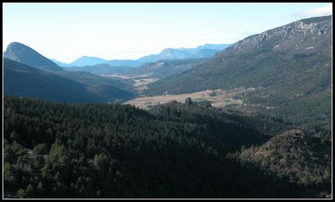 La Vallée de la LANE  vue  du Castellaras