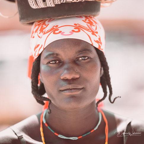 nikon d850 105mm portrait himba women - opuwo kaokoveld namibia