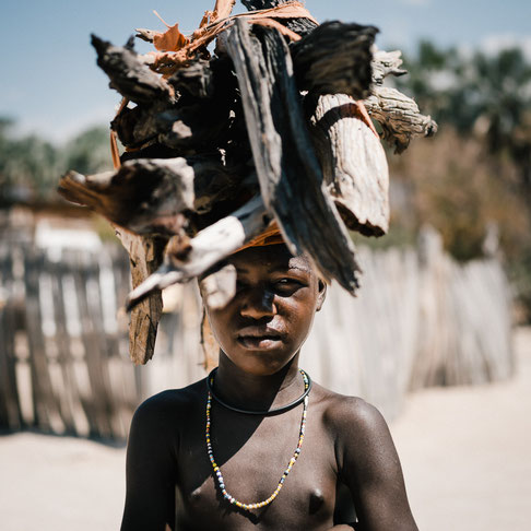 nikon z7 35mm f1.8 - epupa falls village namibia