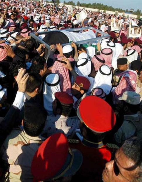 15 JANVIER 2006. FUNERAILLES DE S.A L'EMIR JABER III  AL-AHMAD AL-JABER AL-SABAH QUI SERA INHUME à AL SULAIBIKHAT CEMETERY