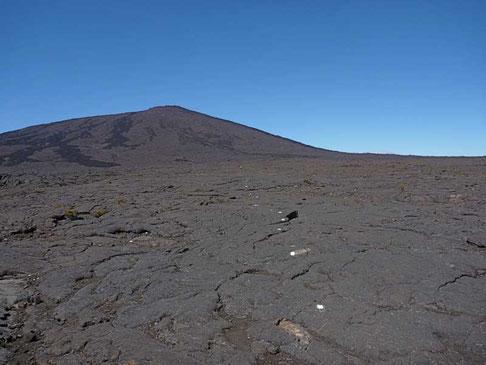 suivre les marques blanches jusqu'au cratère, 5h aller/retour