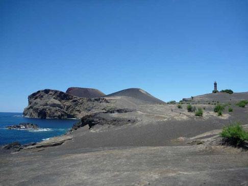 le Vulcào dos Capilinhos et son phare