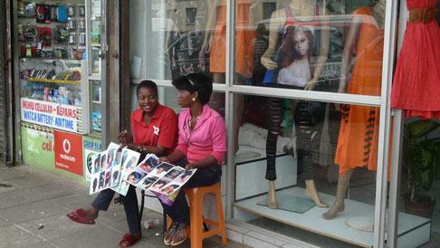 pub locale pour les modèles de coiffures... lissage ou tresses