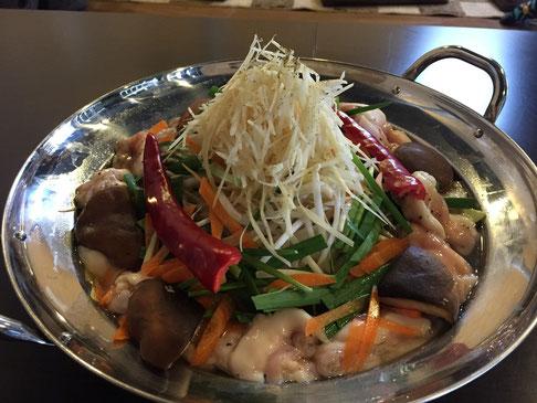 焼肉ホルモン笑ら炎(山唐姜(さんとうか)ホルモン鍋)↑