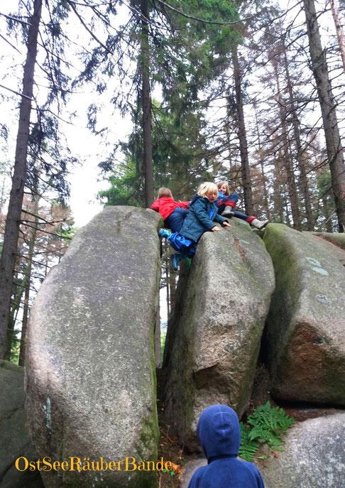 Und überall Klettermöglichkeiten :-)