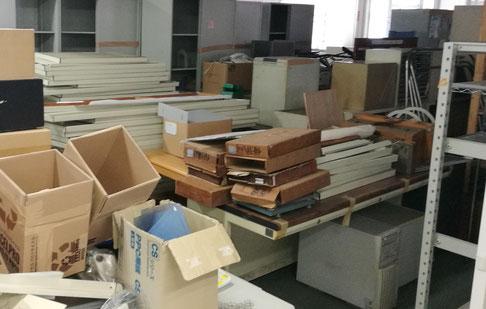 笠間市でオフィス家具、スチールデスクとスチールロッカーの処分