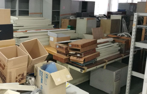 茨城町でオフィス家具、スチールデスクとスチールロッカーの処分