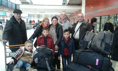 Arrivée de la famille Sakat à Roissy