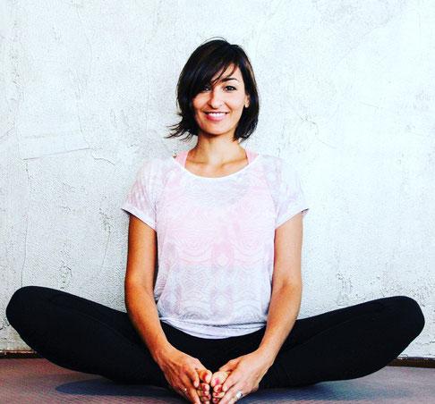 Yoga-Lehrerin und Dreifach-Mama Ayse Gündogdu-Aiser MOMazing Mama Mami Yoga Blog