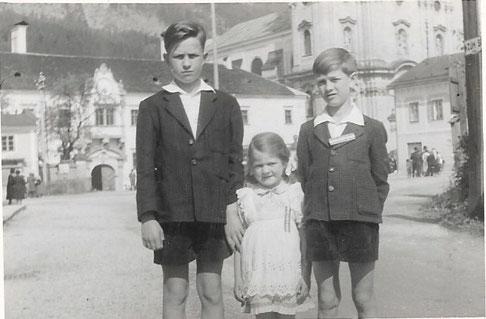 Die Kinder des Landarztehepaares an einem Sommersonntag 1956