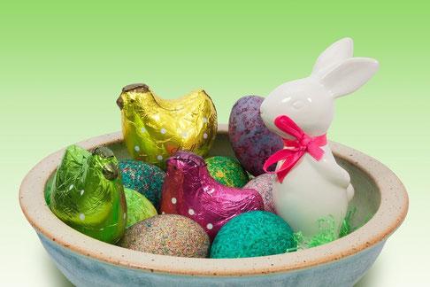 Par ailleurs, le printemps associé aux fêtes de la fertilité et de la renaissance cadrera parfaitement avec la résurrection de Jésus-Christ. On en profitera pour introduire les lapins, les poules et les œufs de Pâques.