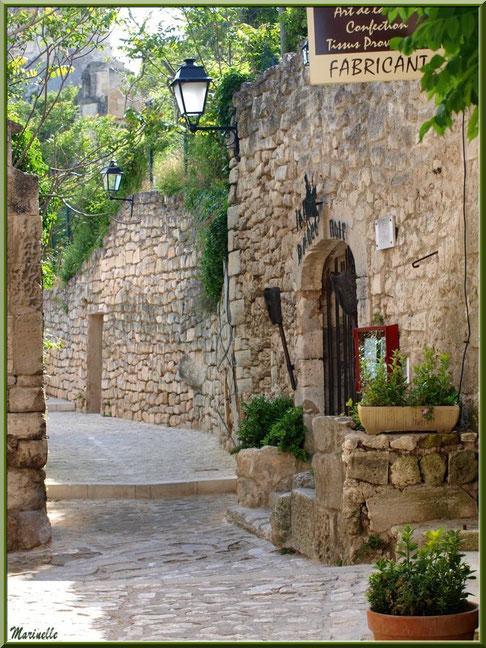 """Ruelle vers la maison d'hôte """"Le Prince Noir"""", Baux-de-Provence, Alpilles (13)"""