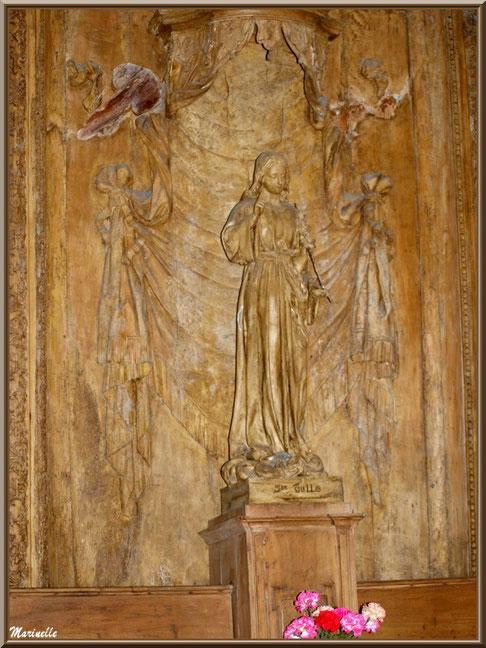 Eglise Notre Dame de Beaulieu, village de Cucuron, Lubéron (84) : autel avec rétable en bois et statue de Sainte Tulle