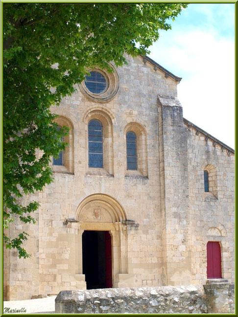 La vallée de la Basse Durance : Façade de l'Abbaye de Silvacande (13)