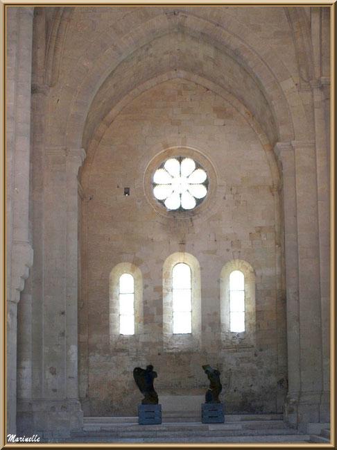 Intérieur de l'abbaye de Silvacane et ce qui fut par le passé l'emplacement d'un autel, Vallée de la Basse Durance (13)