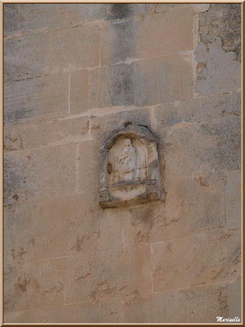 Hôtel Jean de Brion, Fondation Louis Jou, Baux-de-Provence, Alpilles (13) : sculpture sur la tour