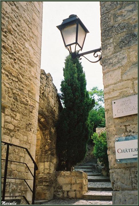 Au détour d'une ruelle, Baux-de-Provence, Alpilles (13)