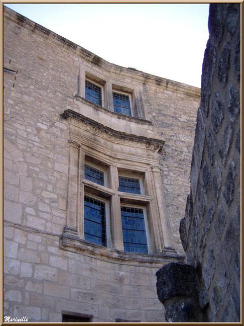 Hôtel de Manville (Mairie) avec ses fenêtres à meneaux, Baux-de-Provence, Alpilles (13)