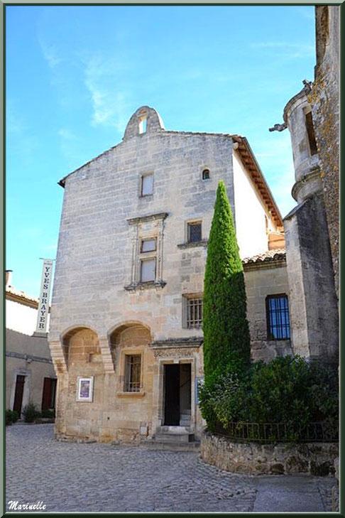 Façade de l'Hôtel de Porcelet, Musée Yves Brayer,  Baux-de-Provence, Alpilles (13)