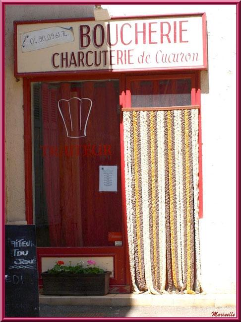 """Devanture de la """"Boucherie charcuterie de Cucuron"""", village de Cucuron, Lubéron (84)"""