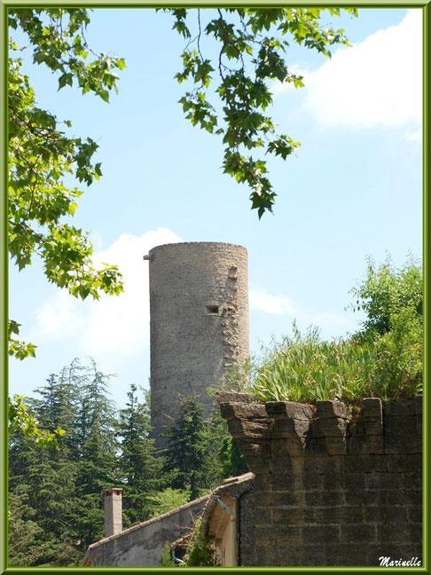 Donjon Saint Michel, village de Cucuron, Lubéron (84)