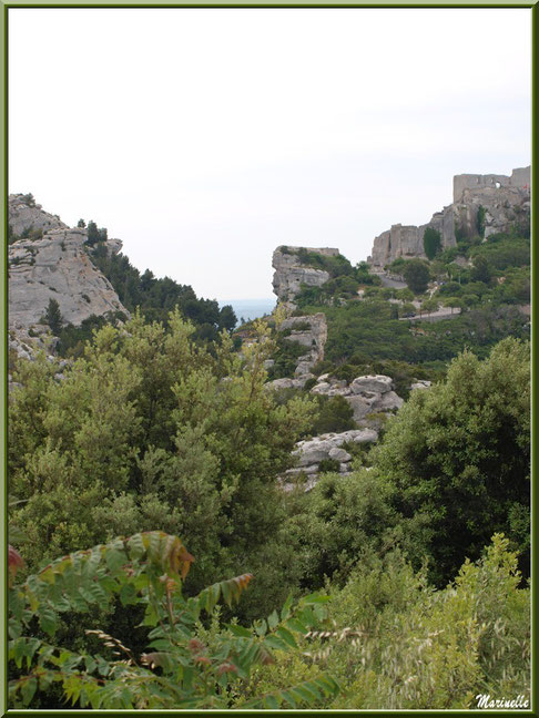 Le Château des Baux-de-Provence vu depuis le Val d'Enfer, Alpilles (13)